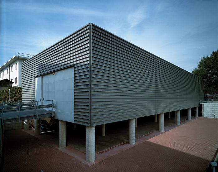 Luisa calvi architettura design architettura uffici for Capannone pianificatore di layout