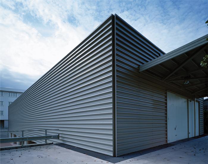 Luisa calvi architettura design architettura uffici for Design contemporaneo capannone